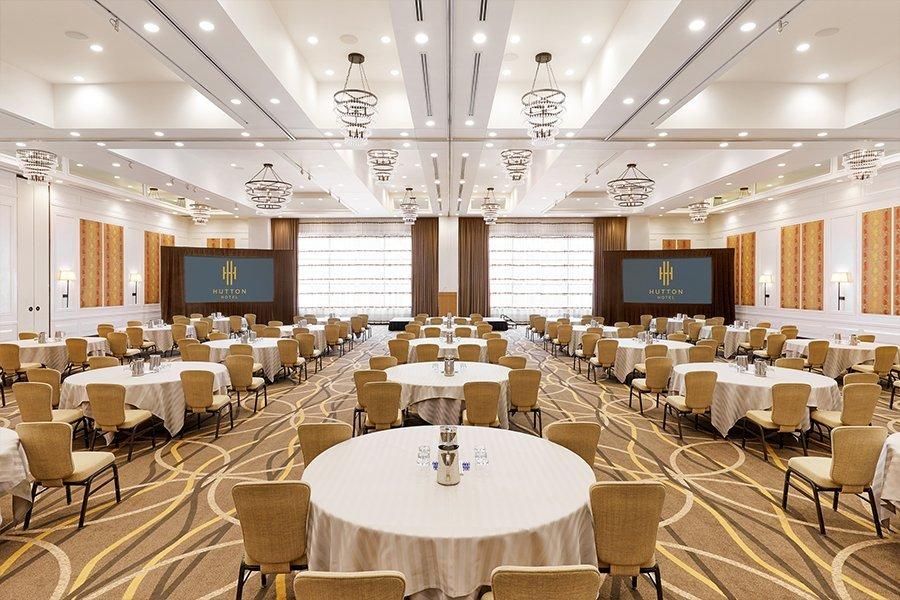 Vista Ballroom in a banquet format